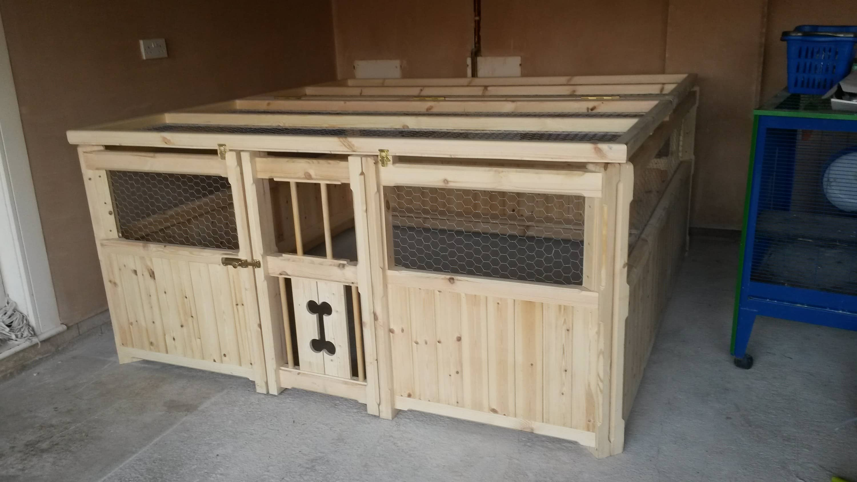 Handmade custom dog pet houses uk built for House plans with pet rooms